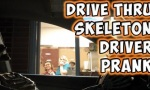 Skelett im Drive-Thru